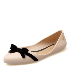 Женщины PVC На плокой подошве Закрытый мыс с бантом обувь (086165223)